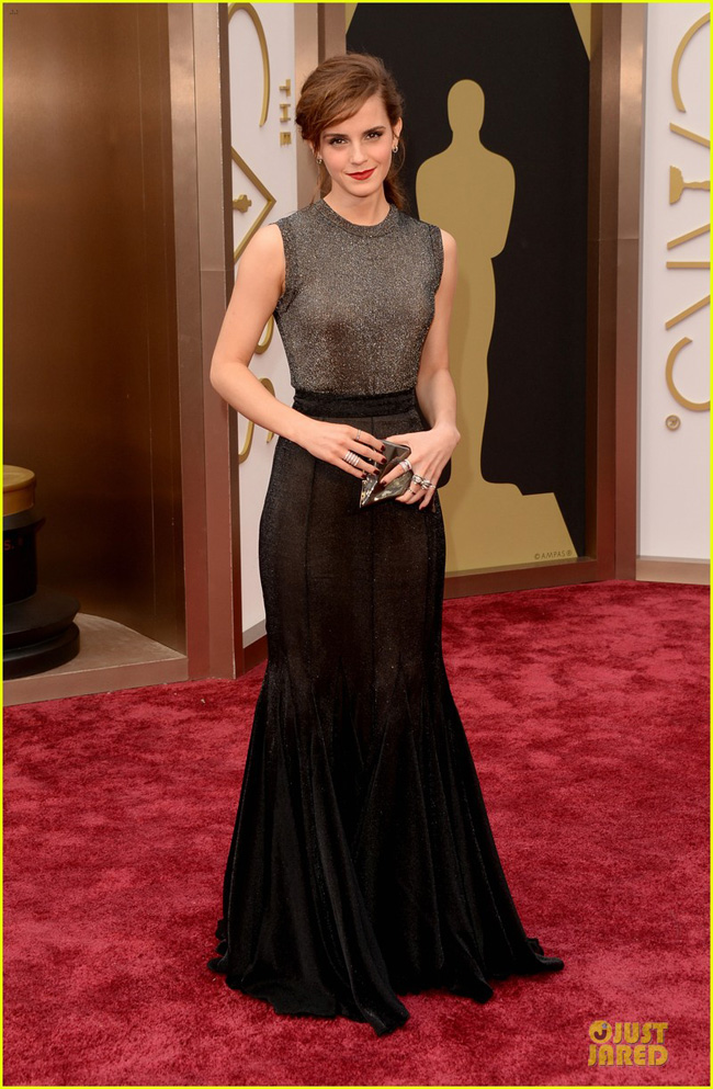 emma-watson-rocks-metallic-on-oscars-2014-red-carpet-05