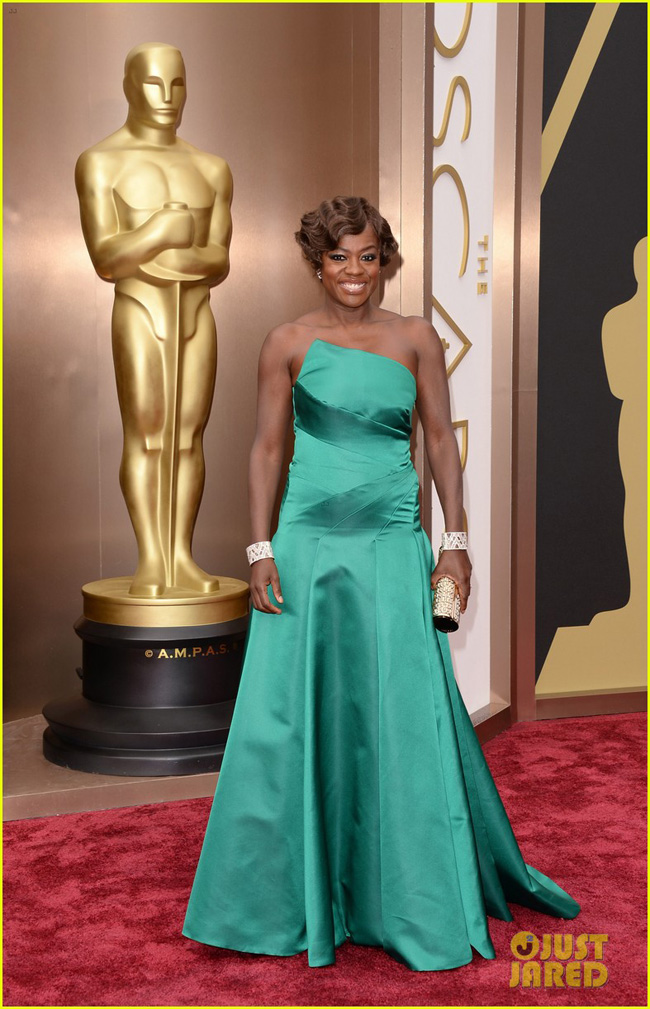 viola-davis-oscars-2014-red-carpet-with-husband-julius-tennon-02