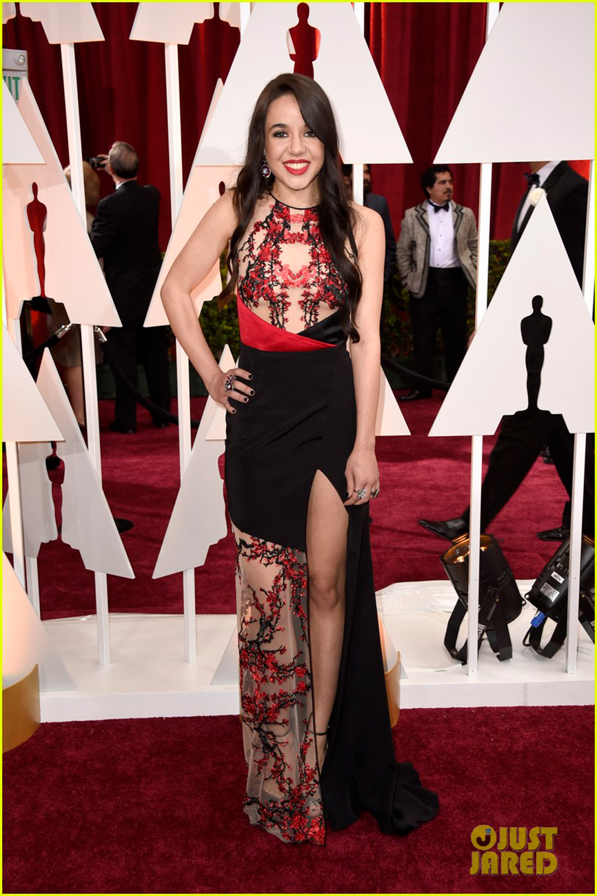lorelei-linklater-2015-oscars-carpet-01