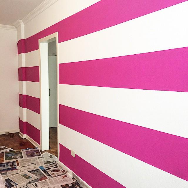 parede listrada pink