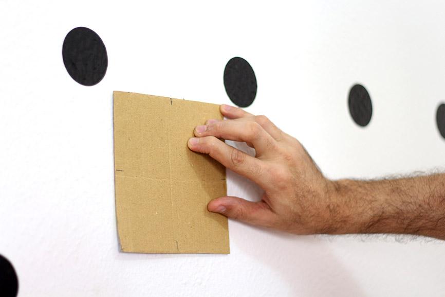 como fazer uma parede de bolinhas